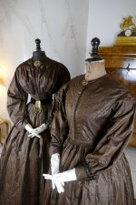 6 antique afternoon dress 1840