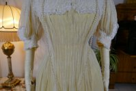 31 antique tea gown 1903