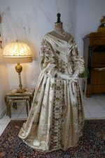 43 antique court dress 1838