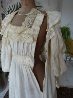 17 antique negligee 1900