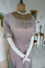 17 antique dress 1912