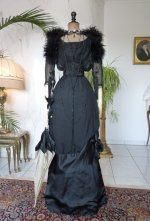 8 antique evening gown 1909