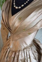 2b antique dress 1840