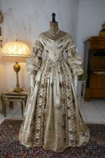 20 antique court dress 1838