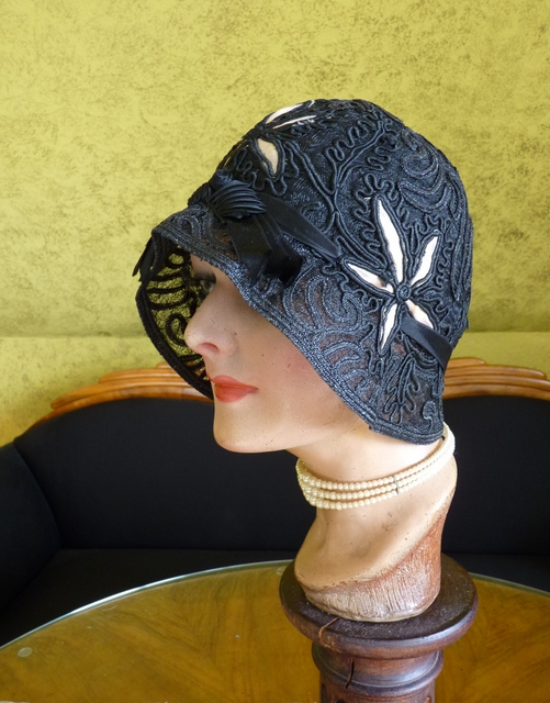 star anise cloche 1920s. Black Bedroom Furniture Sets. Home Design Ideas