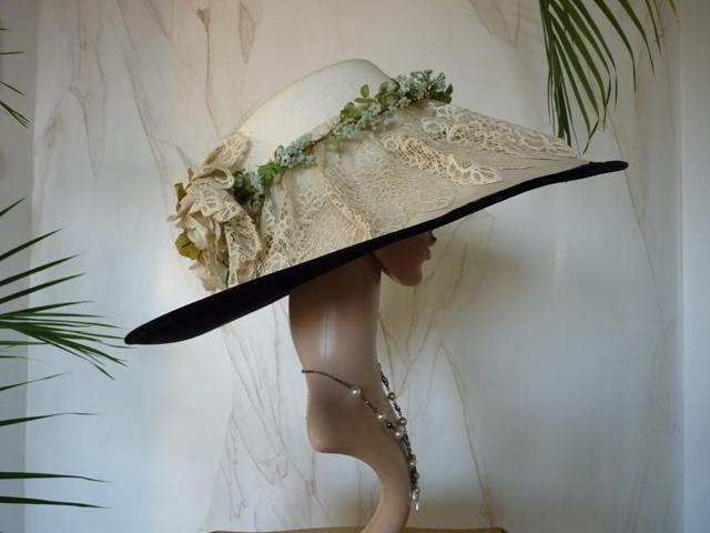 Gigantic summer hat d32fd456584