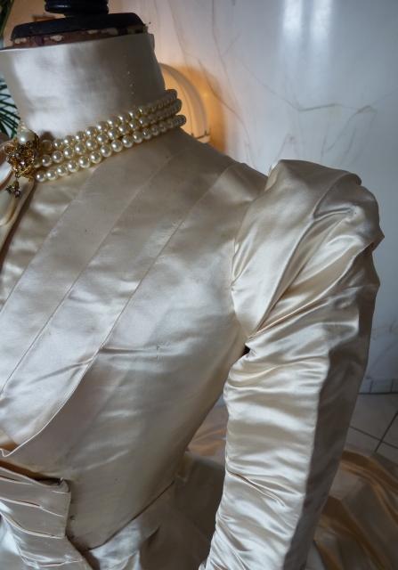 Maison ROUFF Wedding Gown, Paris, ca. 1896 - www.antique-gown.com