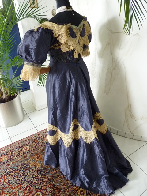 Evening Dress from Prague, ca. 1895 - www.antique-gown.com