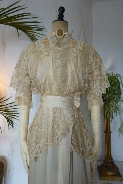 Wedding or Bridal Gown, ca 1913 - www.antique-gown.com
