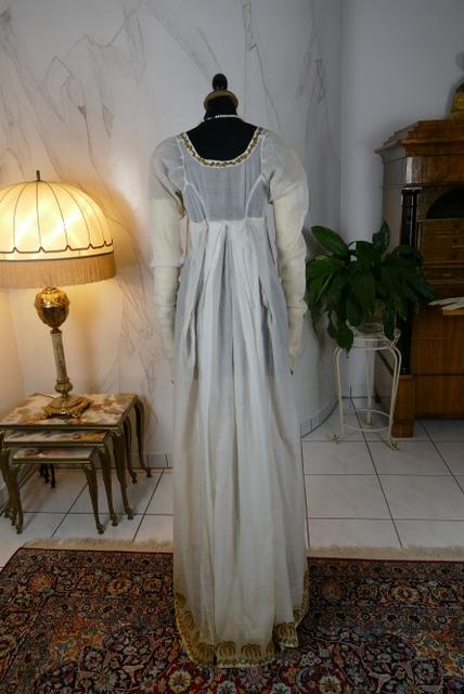 Musselin Kleid Mit Palmen Stickereien Ca 1802 Www Antique Gown Com