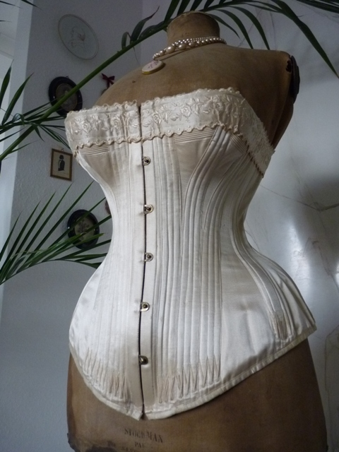 1000 Images About Corsets And Underthings On Pinterest